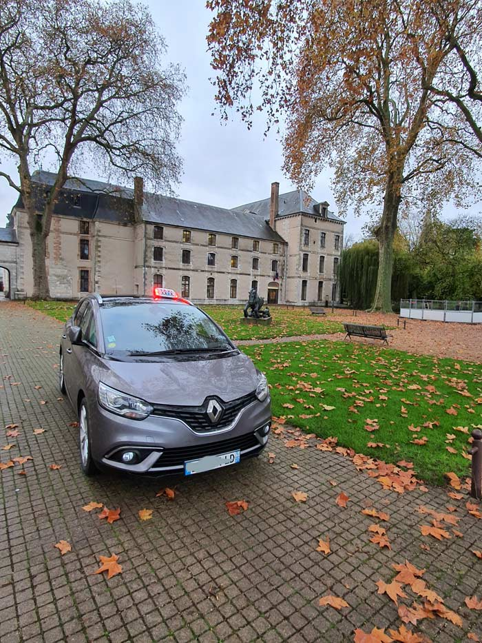 Renault-Grand-Scénic-7-places​-LB-Taxi
