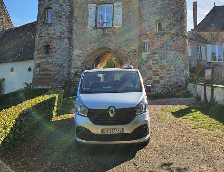 Renault-Trafic-9-places-LB-Taxi
